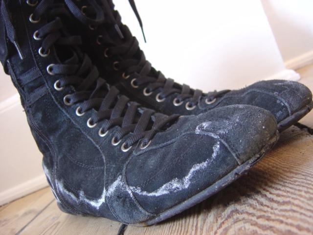 Fjern saltrande fra sko